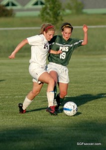 Kaylee Stephens (2011) battles Anna Withers (2011)