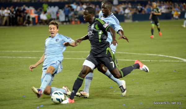 Matt-Besler-Sporting-KC-defends-Eddie-Johnson-Seattle